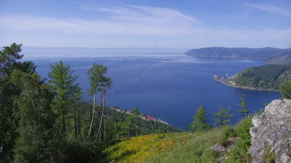Кораб ще преработва отпадъци в гориво в езерото Байкал