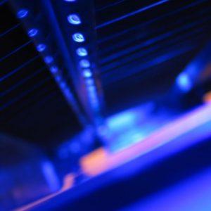 """Новата """"пластмаса"""" се разгражда под въздействието на ултравиолетова светлина. Снимка: © freeimages.com"""