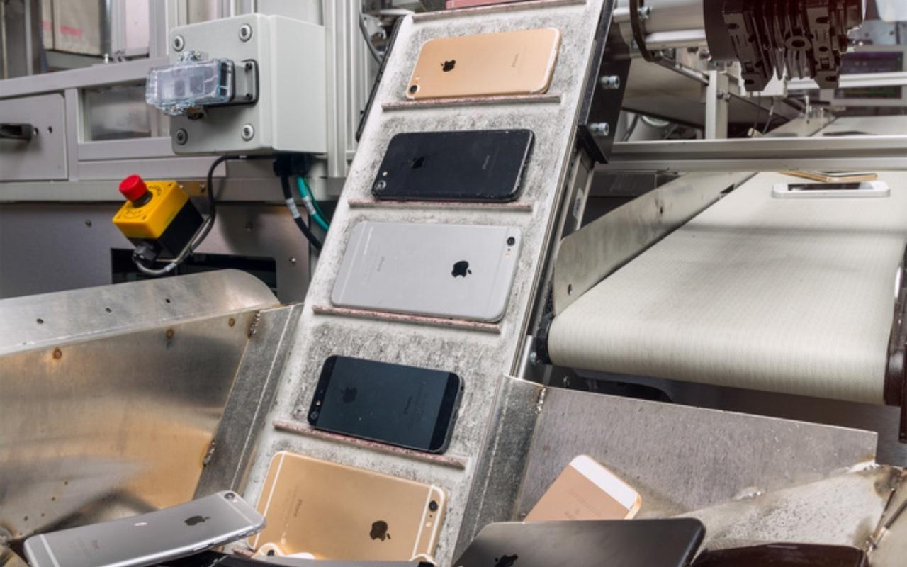 Daisy може да разглобява до 200 айфона за един час (снимка: Apple)